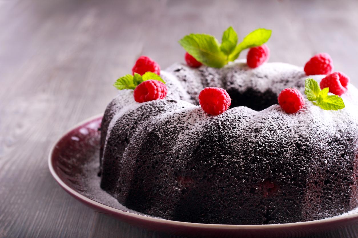 Receta de Receta de Bundt cake de chocolate fácil al estilo casero