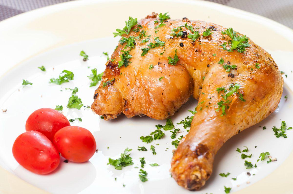 Pollo asado con patatas panadera - Cocinera y Madre