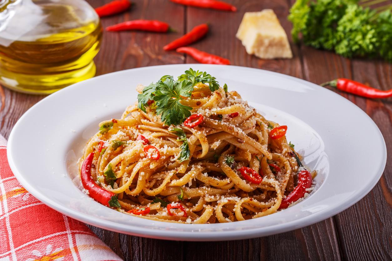 Receta de espaguetis arrabbiata.