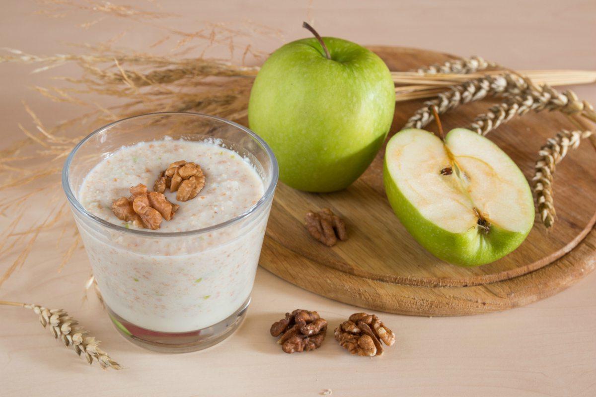 Receta de smoothie de manzana y nueces