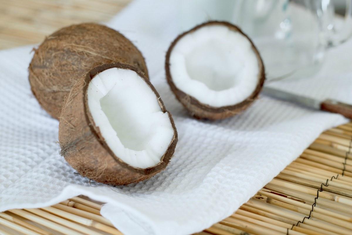 Te contamos cómo abrir un coco de forma fácil.