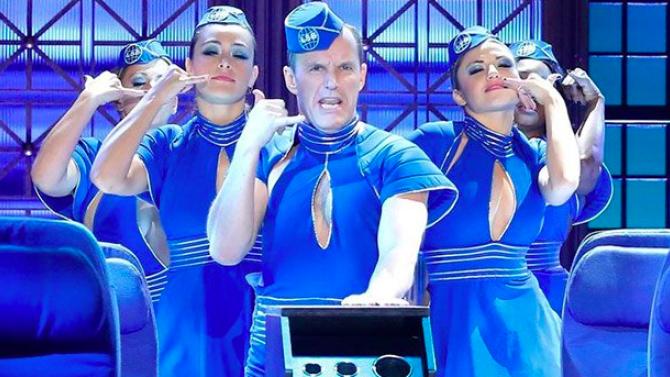 Clark Gregg imita a Britney Spears y Hayley Atwell a Lady