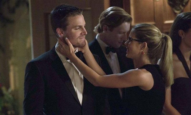 El actor de Arrow habla sobre Felicity y Oliver