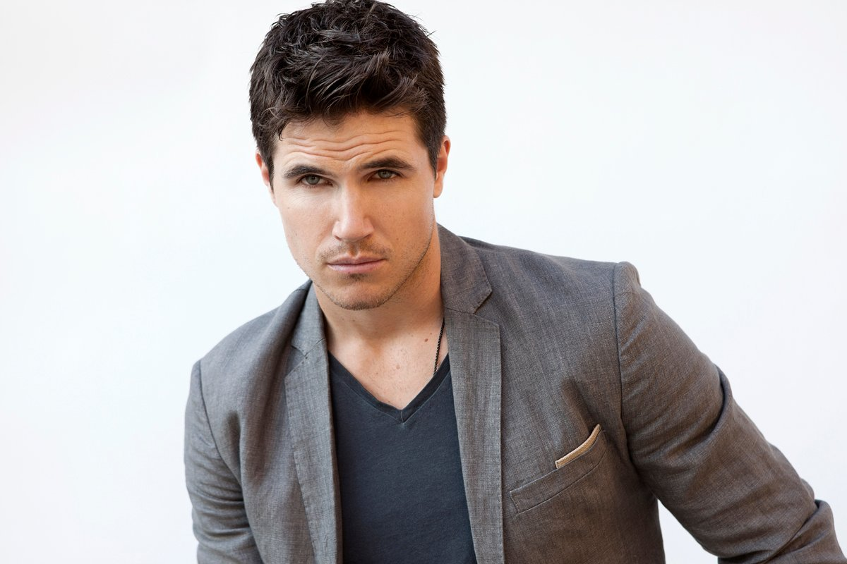 The Flash: el actor Robbie Amell revela datos sobre su regreso