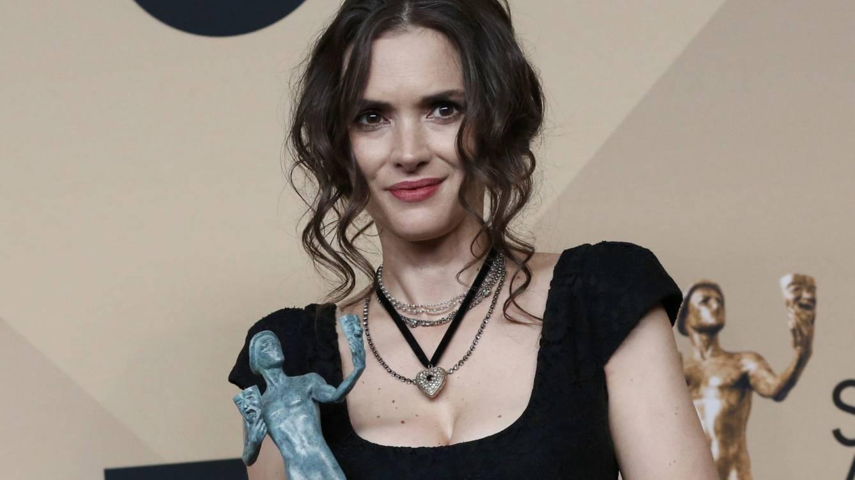 Stranger Things: fíjate en la cara de Winona Ryder al ganar