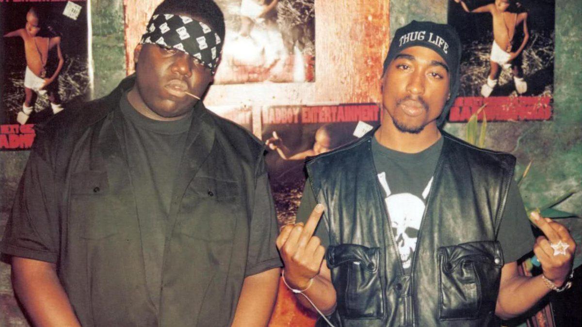 Ambos cantantes fueron asesinados con seis meses de diferencia.