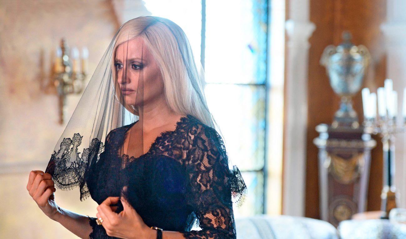 La actriz española Penélope Cruz interpreta en la ficción a Donatella Versace.