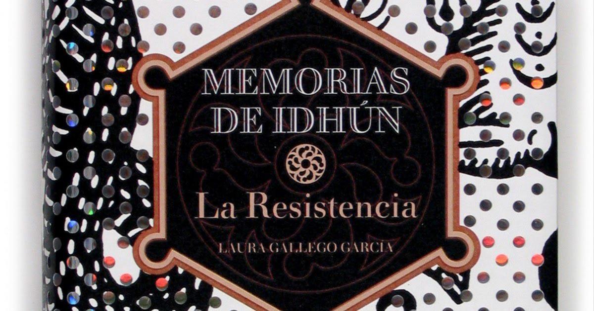 La primera novela de la trilogía fue publicada en 2004.