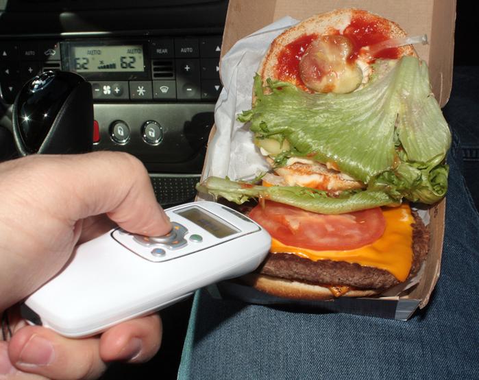 Saliva Scanner, el gadget que detecta si han escupido en tu comida