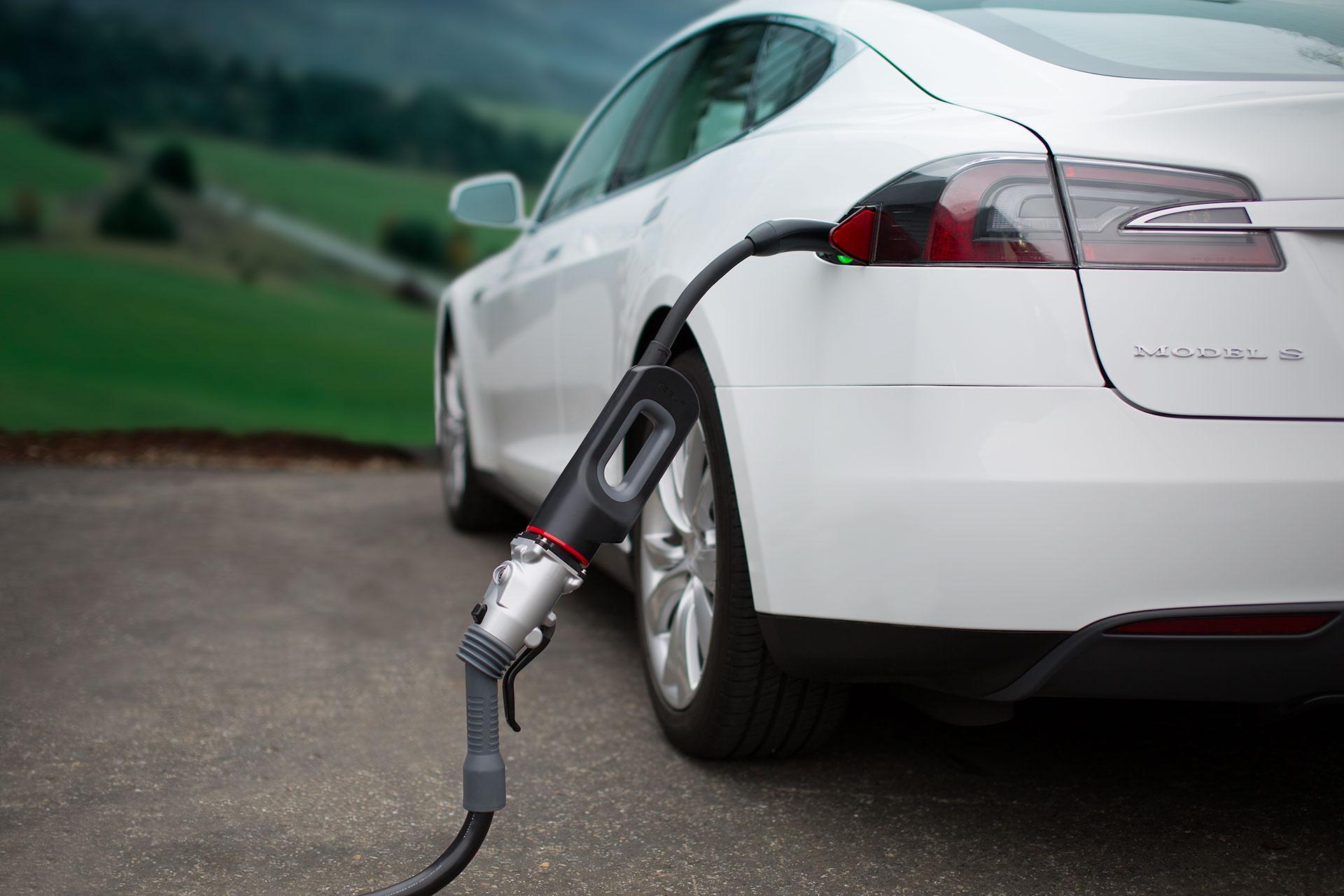 Casas suministradas energéticamente gracias a coches eléctricos