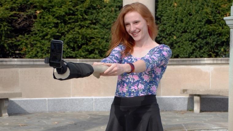 brazo-selfie