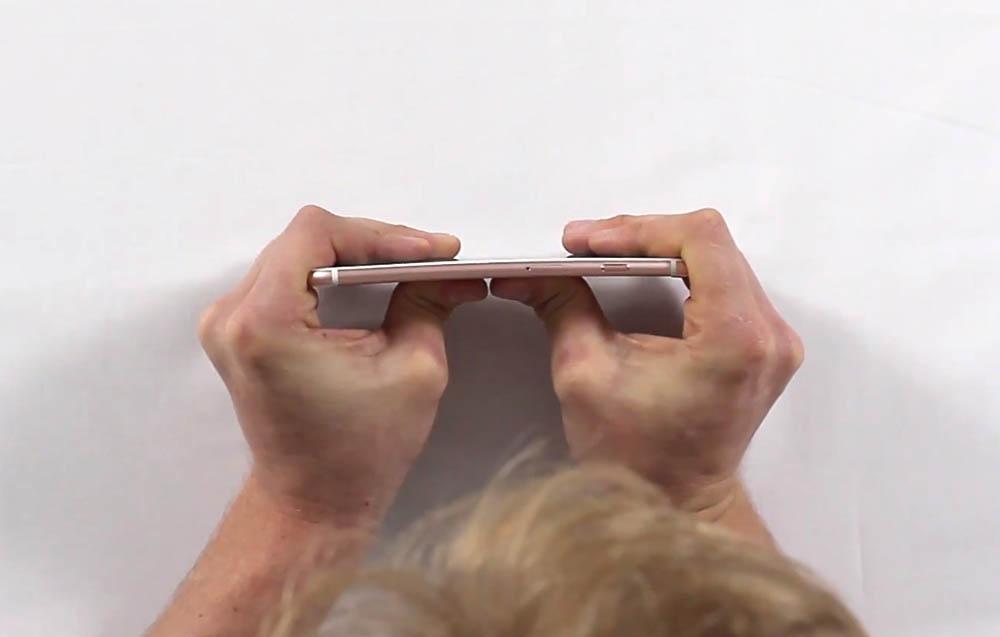 iPhone 6s no se dobla 1