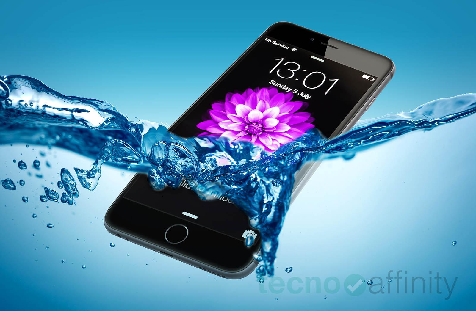 iPhone sumergido