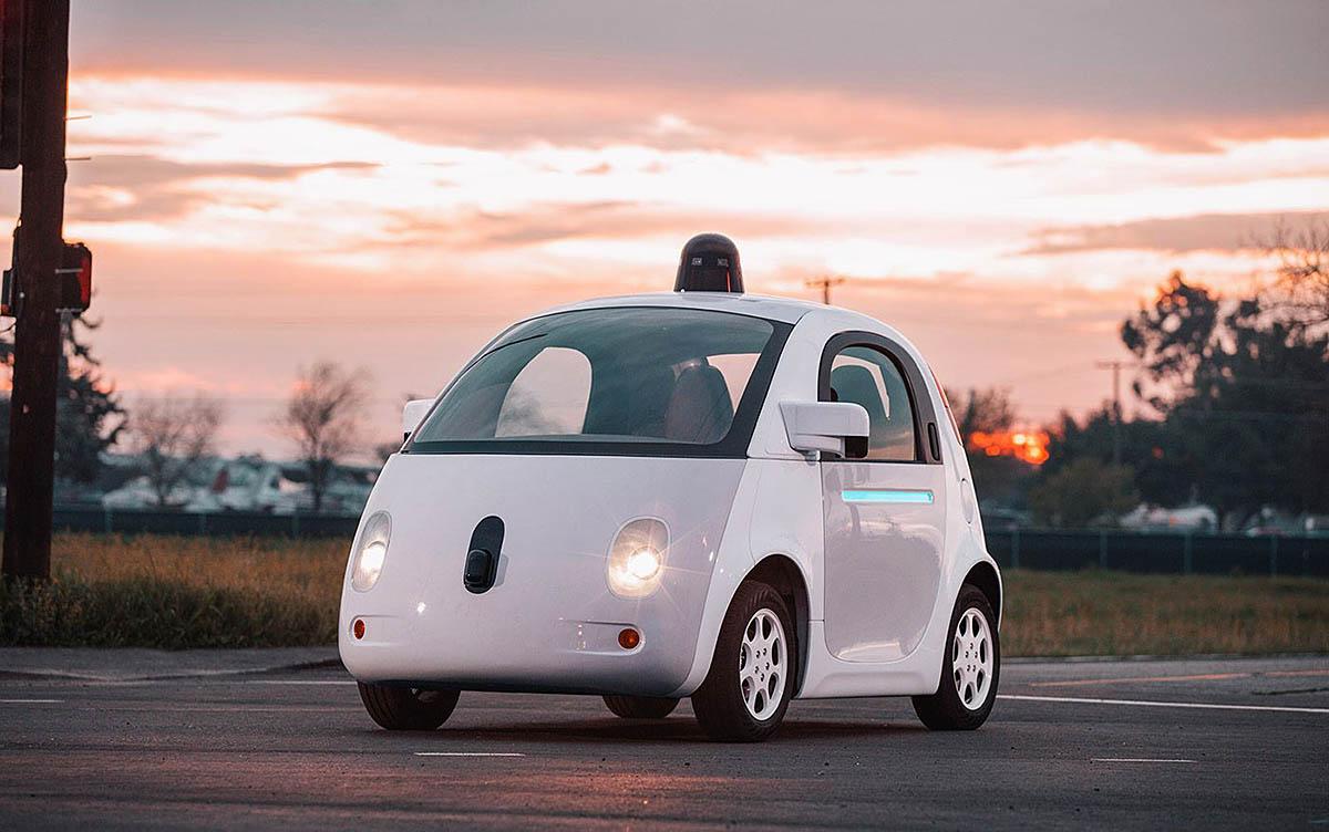 Waymo (Google) dice adiós a sus pequeños coches eléctricos en valor de los más convencionales