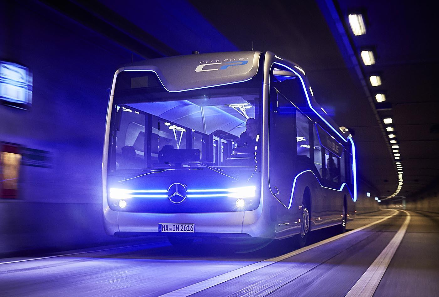 Mercedes ya prueba sus autobuses autónomos en Amsterdam