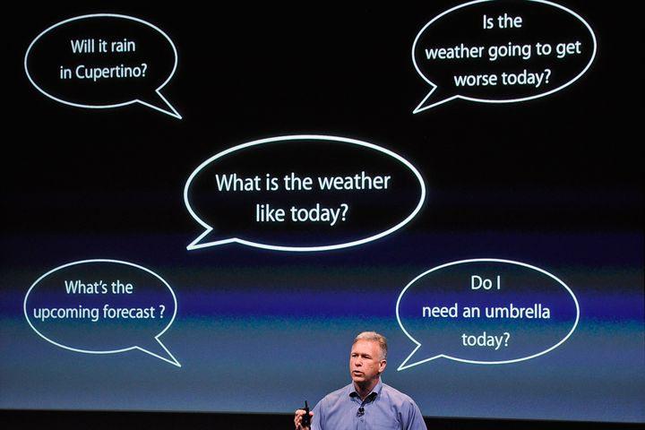 Phil Schiller VP de marketing de Apple muestra funciones de Siri