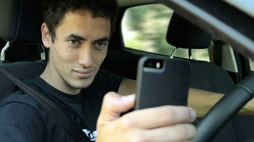 Conducción y smartphones, mala mezcla