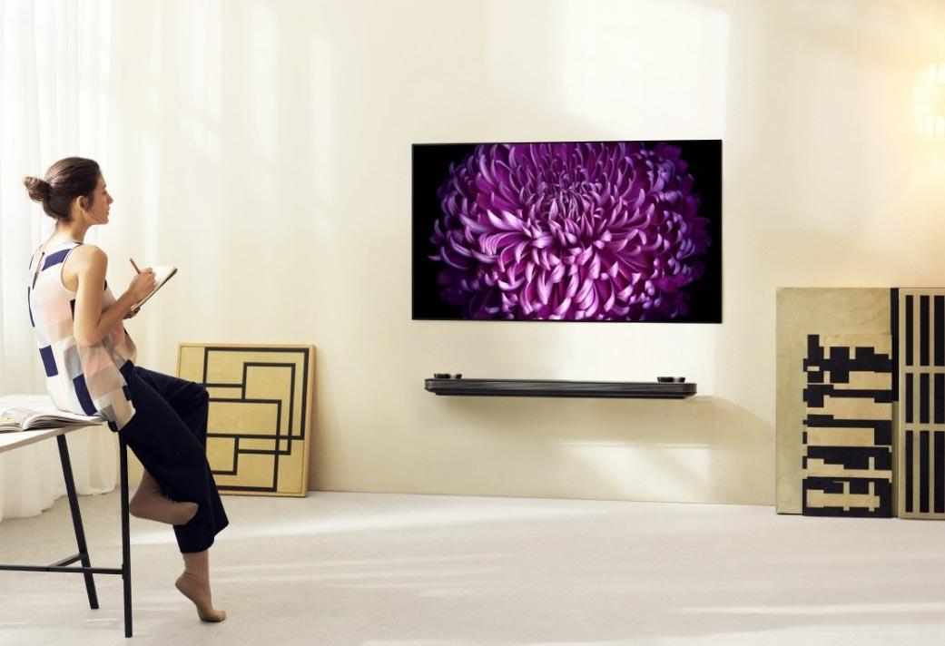 LG SIGNATURE OLED TV W_Lifestyle1