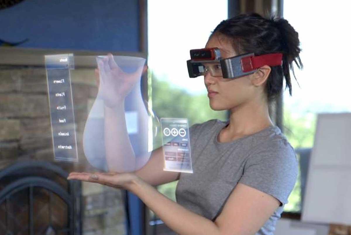 Facebook también prepara sus propias gafas de realidad aumentada