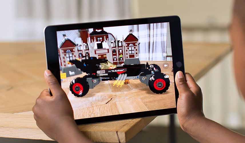 La tecnología ARKit de Apple permitirá crear impresionantes juegos y aplicaciones que mezclan elementos digitales con el entorno real