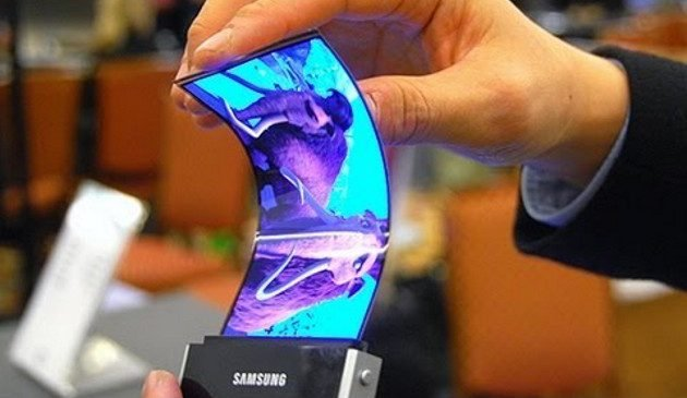 Samsung confirma que sus primeros móviles con pantalla flexible llegarán en 2018