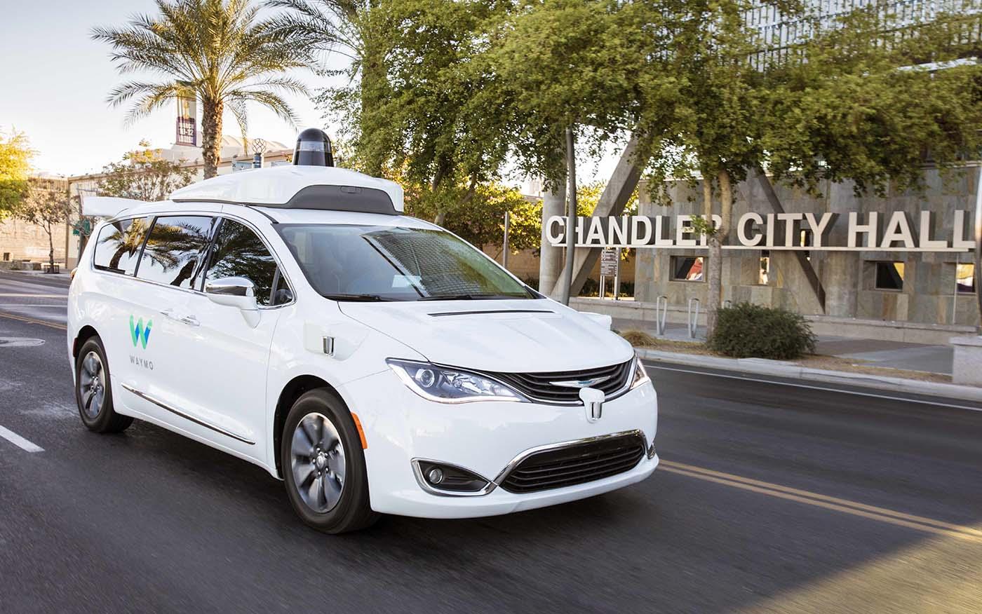 Los vehículos autoconducidos de Waymo han enrado en una nueva fase en la qu ya no llevarán operario alguno en la zona de Chandler en Phoenix