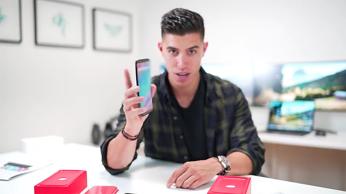 """El OnePlus 5T, filtrado por completo en vídeo por un """"blogger"""""""