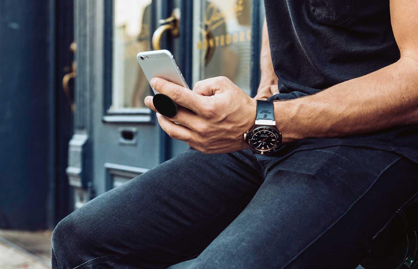 PopSockets, el accesorio para sujetar tu smartphone que arrasa gracias a las celebridades