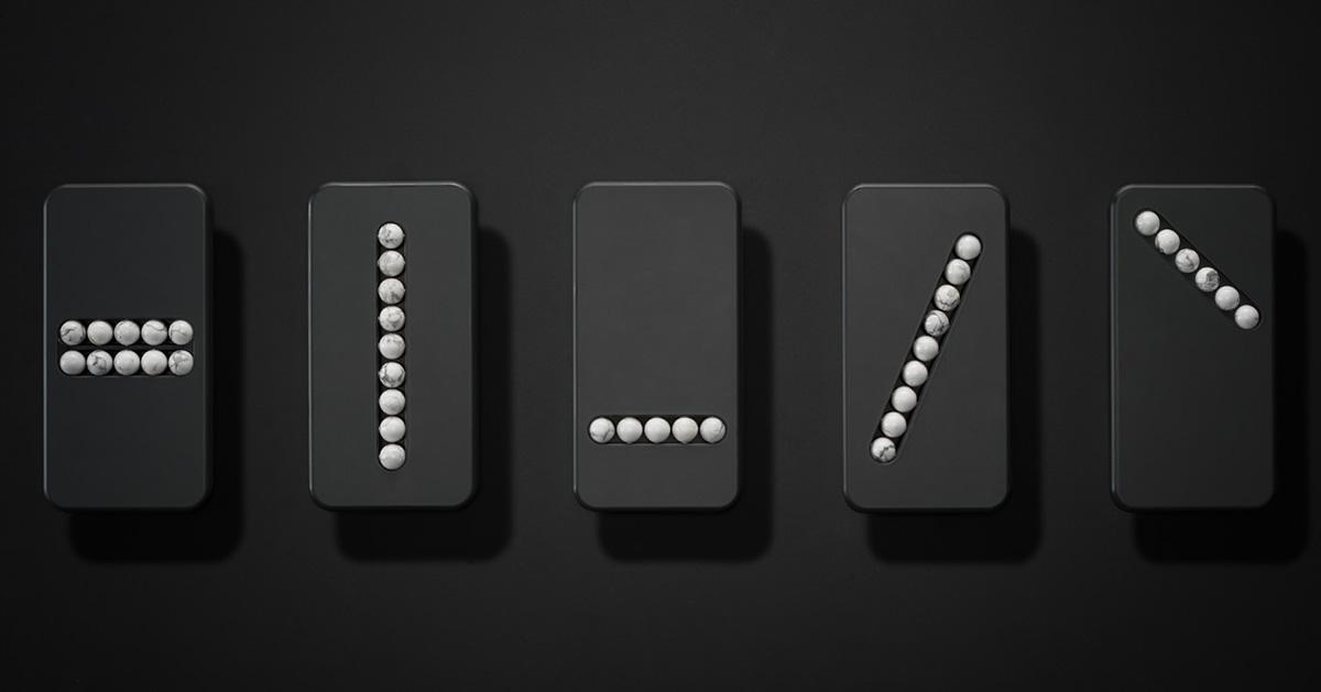 """Los """"Substitute Phones"""" del diseñador Klemens Schillingerbuscan ayudarte a dejar de lado el smartphone para combatir tu adicción a la tecnología"""