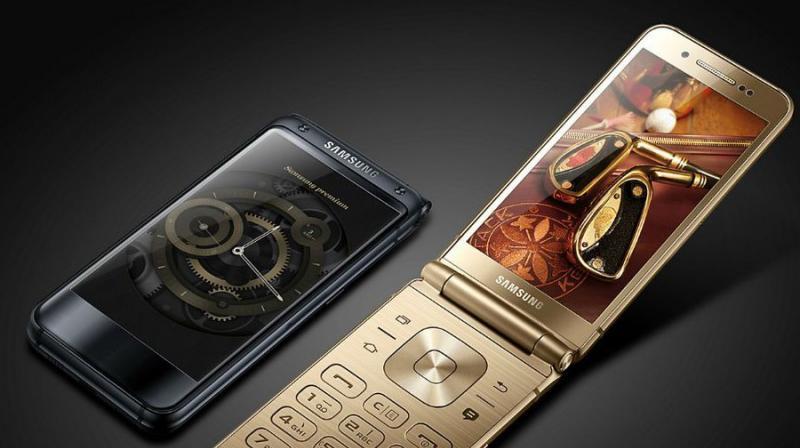 El Samsung W2018, el más lujoso smartphone concha con especificaciones de súper smartphone