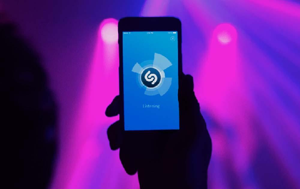 El popular servicio de descubrimiento de canciones queda en manos de Apple, lo que podría ser una maniobra defensiva frente a competidores como Spotify