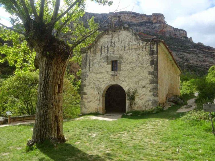 Río-Pitarque-ERMITA-virgen-de-la-peña-Teruel