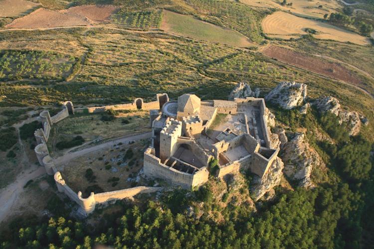 el encanto de Huesca. castillo-de-loarre-2