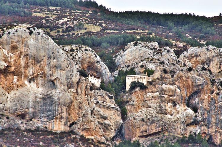 el encanto de Huesca: virgen-de-la-pena-anies