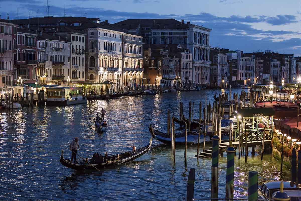 Venecia propone limitar el número de turistas diarios