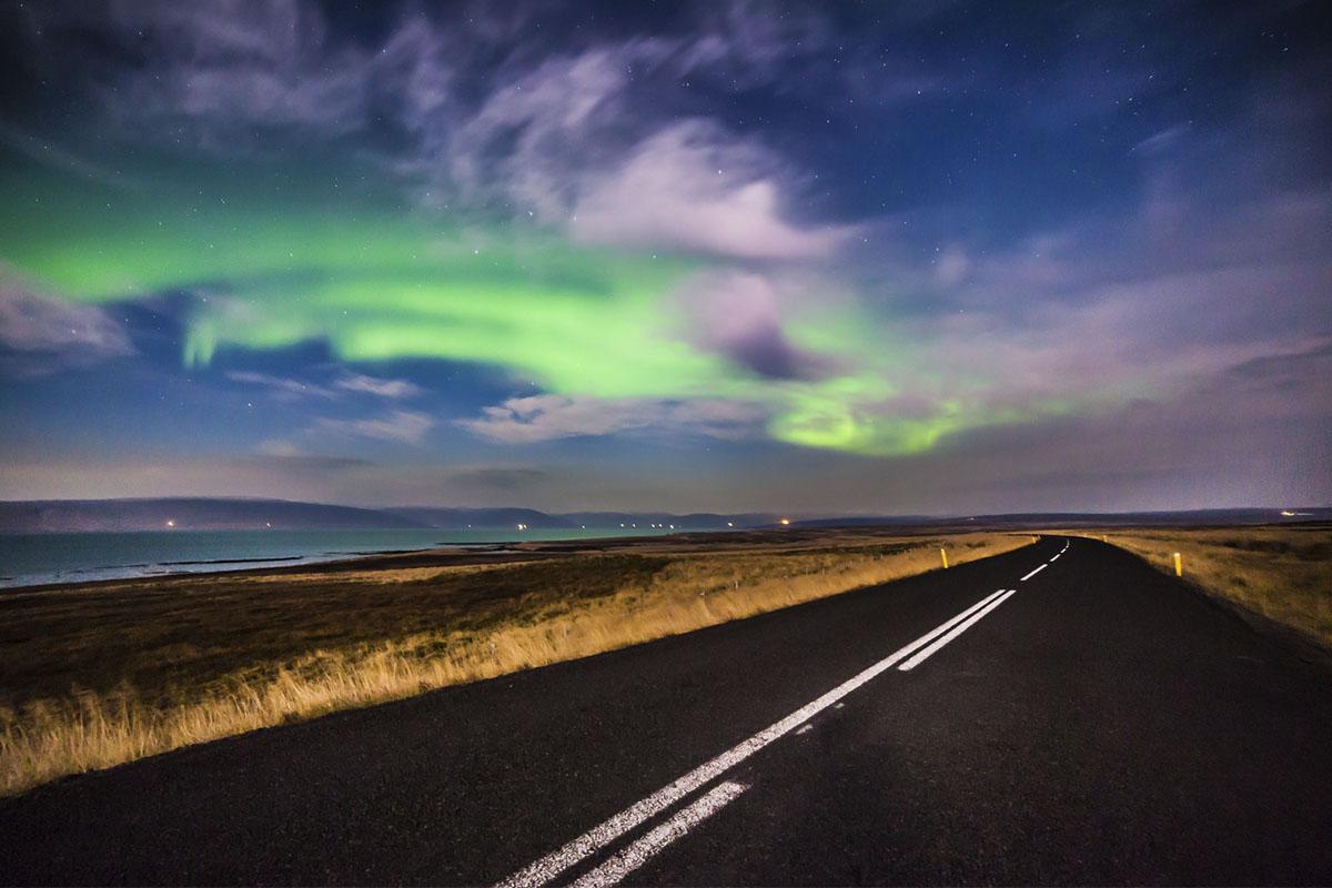 Múdate a Islandia y no pagues el billete de avión