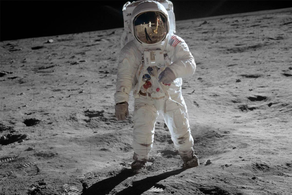 """Buzz Aldrin: """"Si no exploramos el espacio exterior desapareceremos"""""""