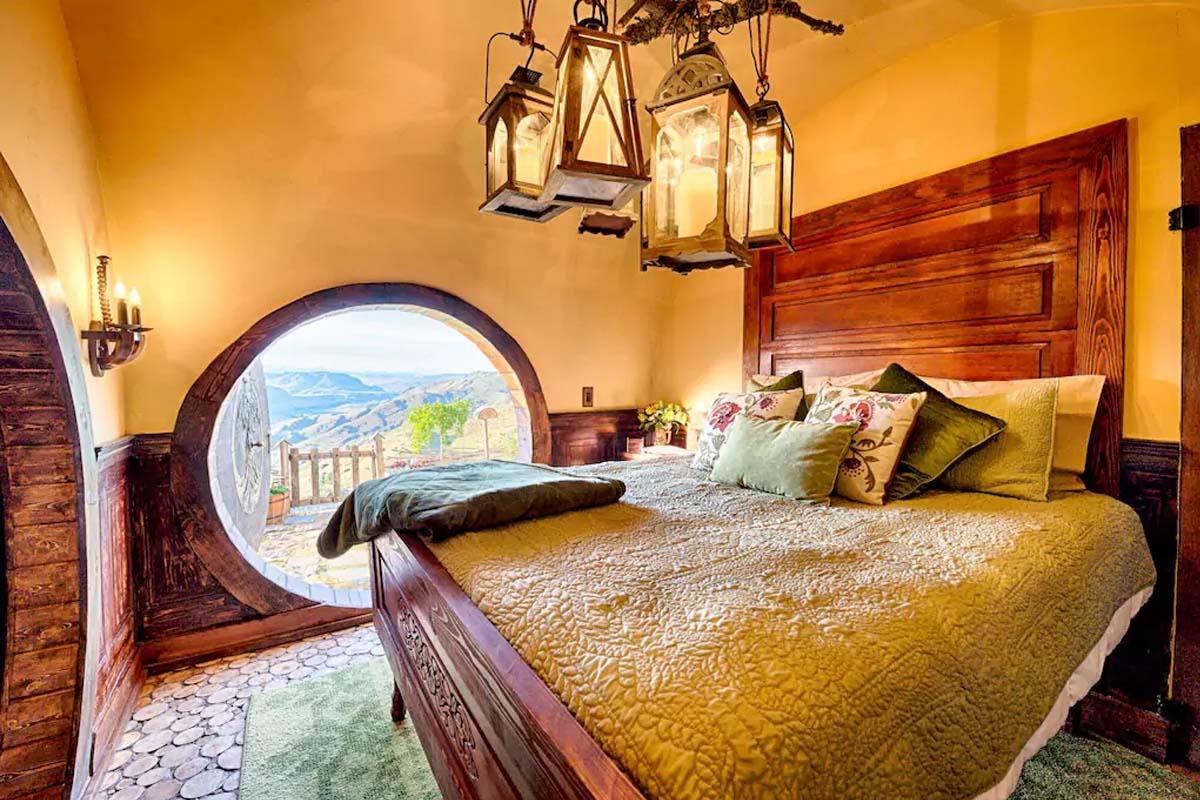 ¿Quieres dormir en una casa hobbit?