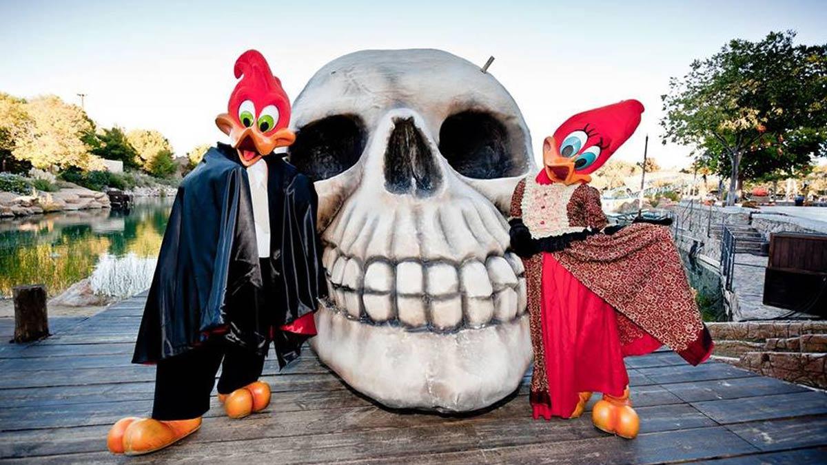 De ruta por los parques de atracciones y su programación de Halloween