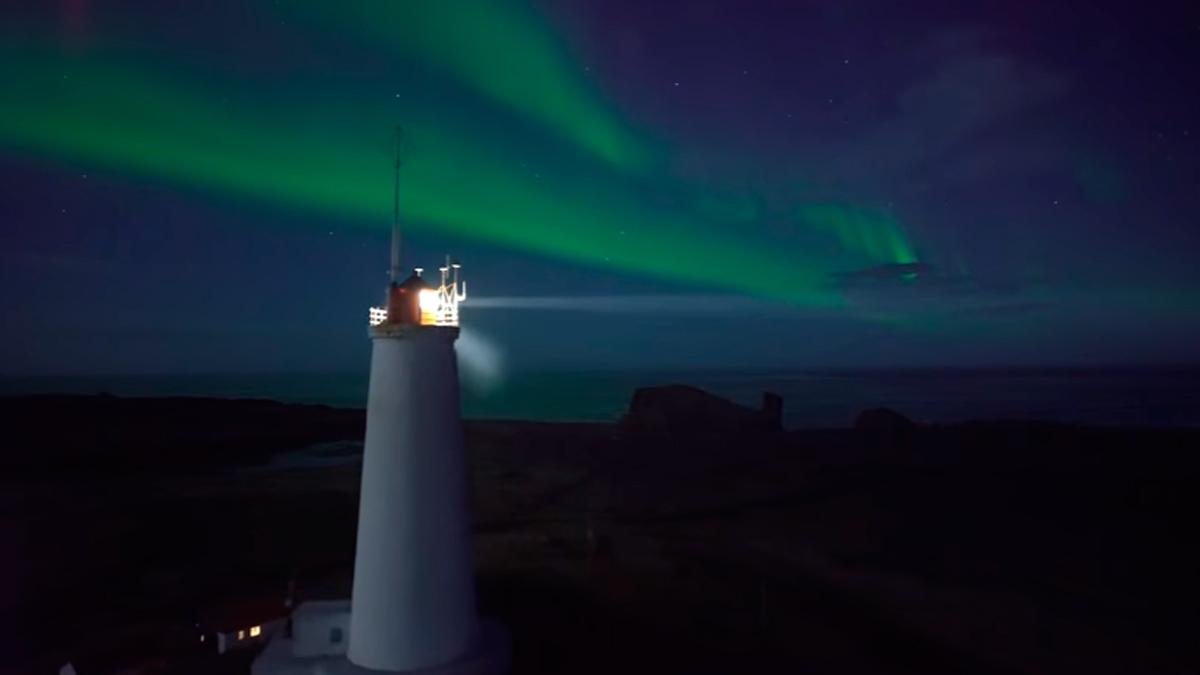 La mejor vista de la aurora boreal que un dron puede ofrecernos