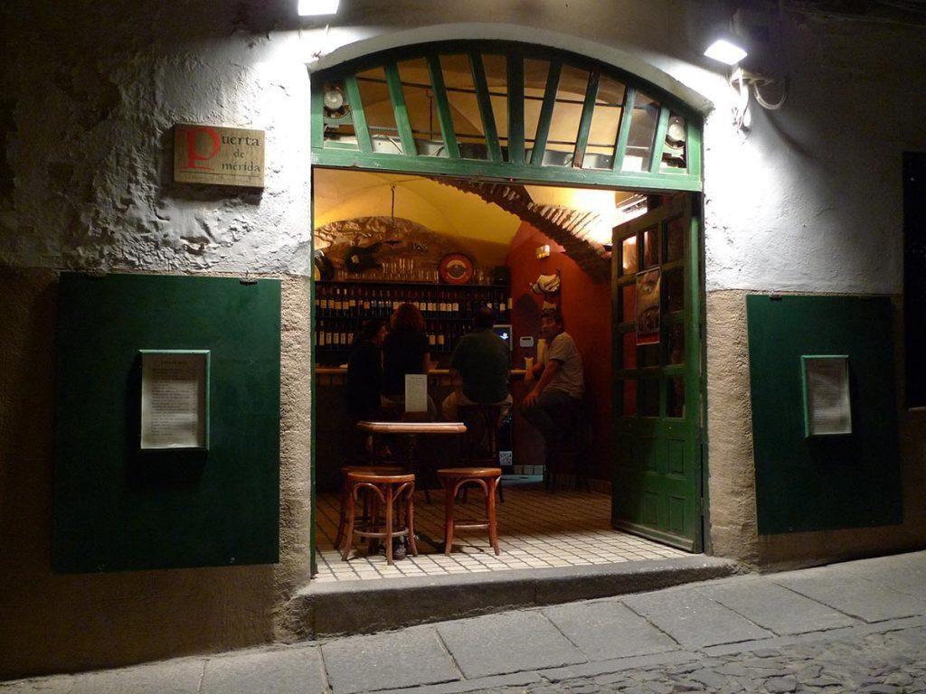 Las 5 ciudades españolas con más bares por habitante - Cáceres - Hoteles.com