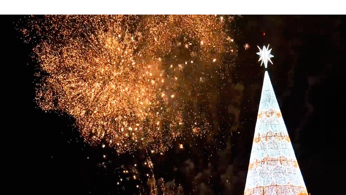 Visita el árbol de Navidad más grande de Europa