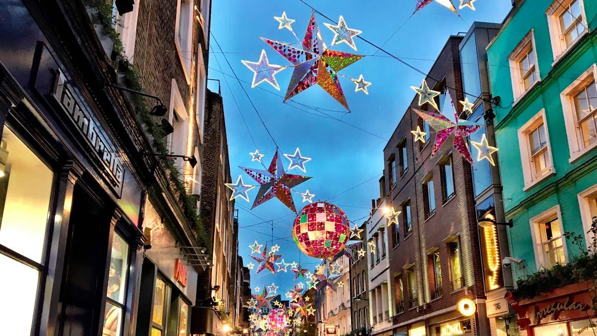 Chelsea tiene un color especial en Navidad