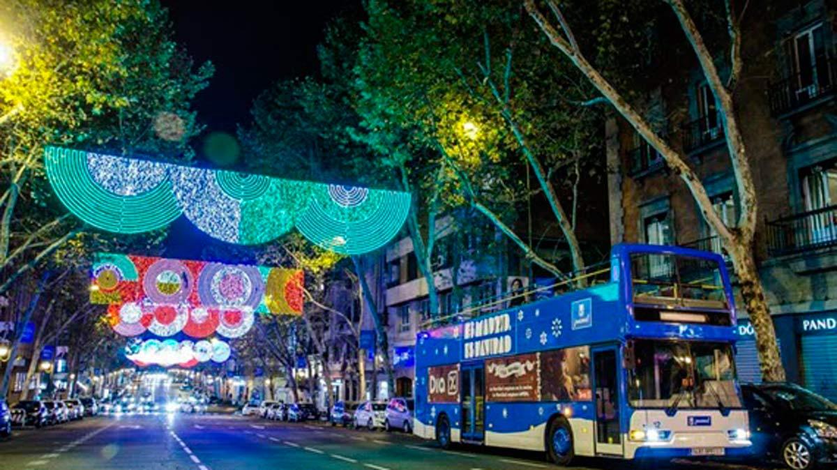 Naviluz, el autobús con el que no te perderás ningún adorno navideño