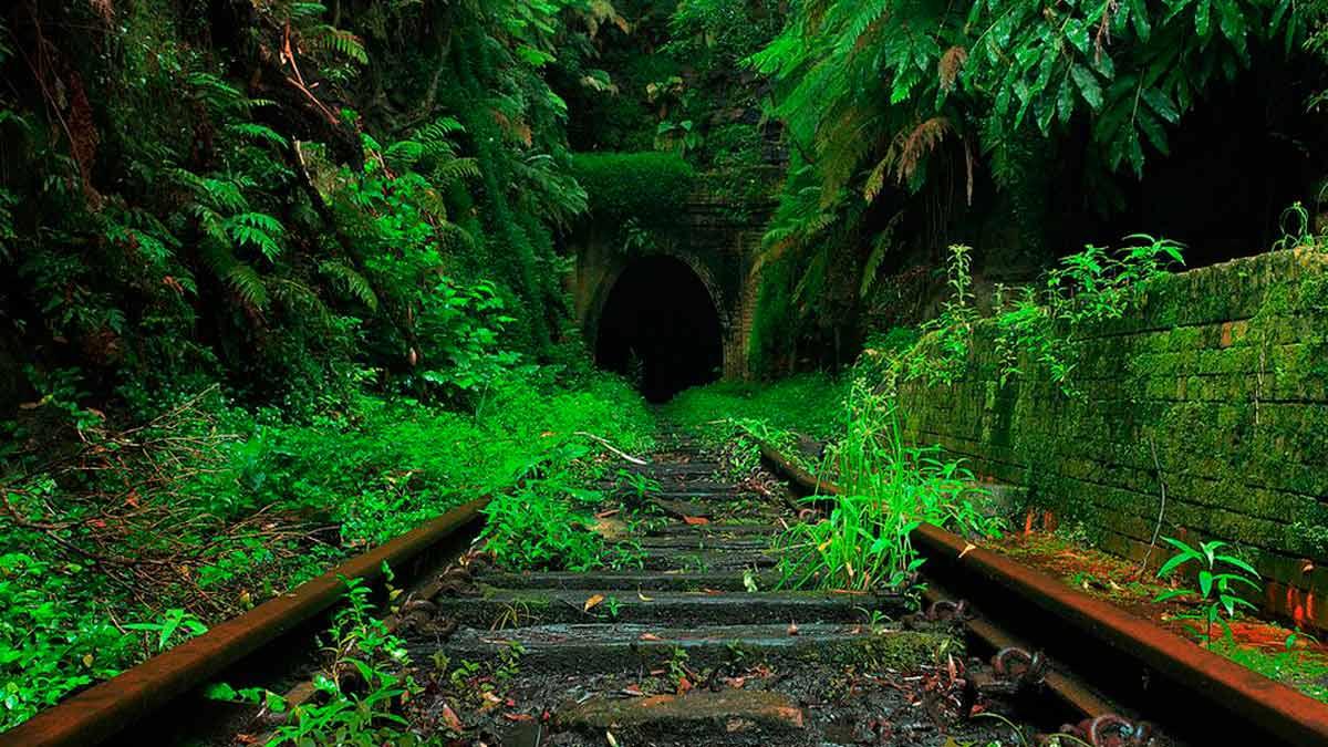 De ruta por las estaciones abandonadas más curiosas