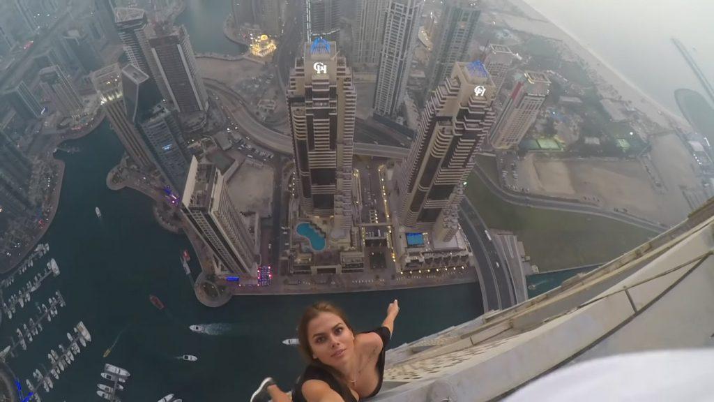 Viki Odintcova: ¿Vale la pena jugarse la vida por unas fotos?