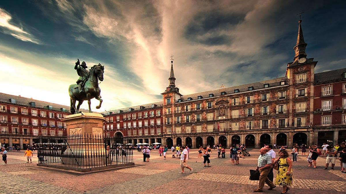 Resultado de imagen para VISITA PLAZA MAYOR MADRID