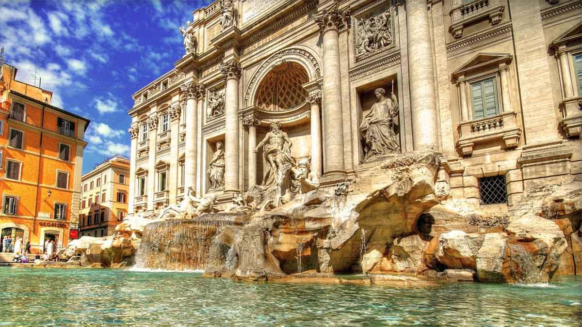 ¿Prohibido pararse frente a la Fontana di Trevi?