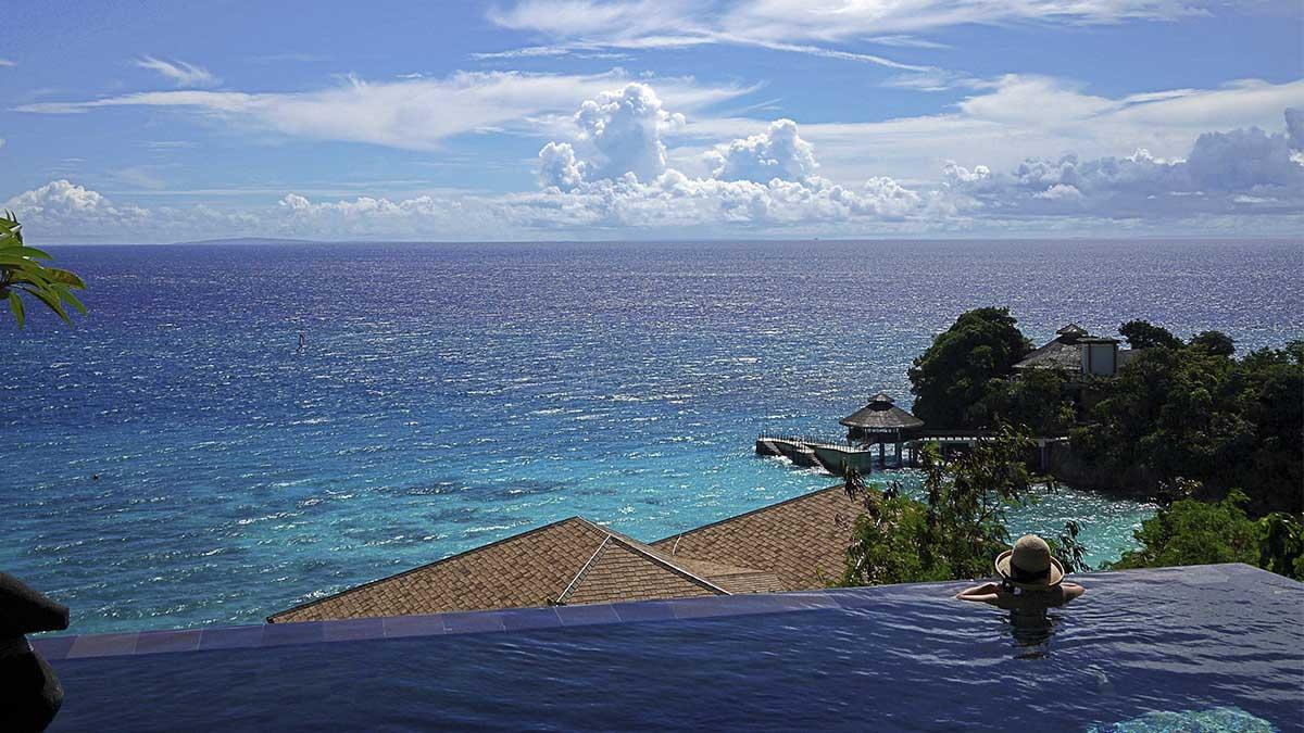 Disfrutar de una infinity pool es un lujo al alcance de cualquiera. ¡En estas casas de HomeAway tendrás una para ti solo!