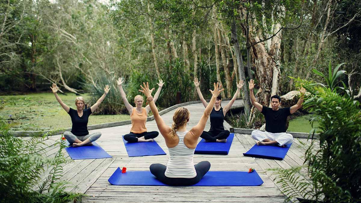Hoy es el Día Internacional del Yoga y lo celebramos desvelándote los seis lugares más espectaculares y rejuvenecedores del planeta